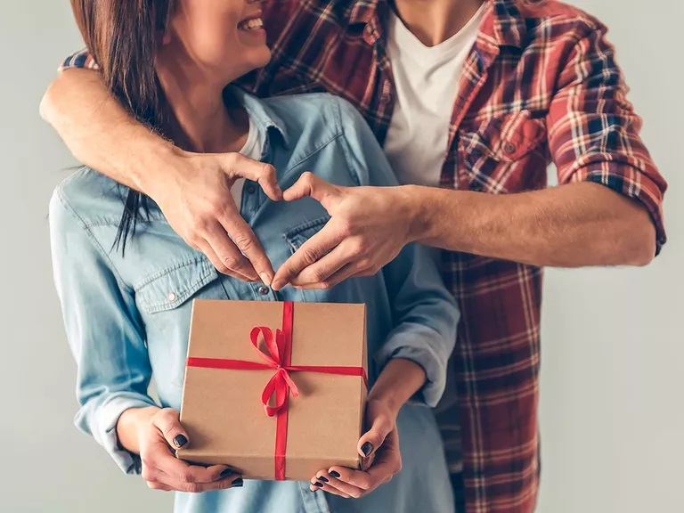 How to finding the perfect Anniversary Gifts(Collection Now)