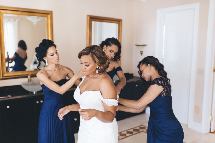 Wedding gown alteration: Tips to choose the right seamstress
