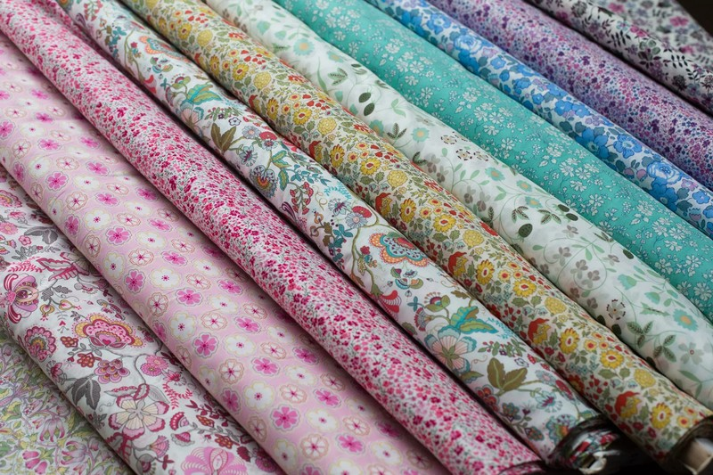 Guide on shopping the best dress fabric